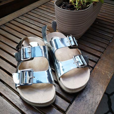 Sandałki Zara jak nowe.