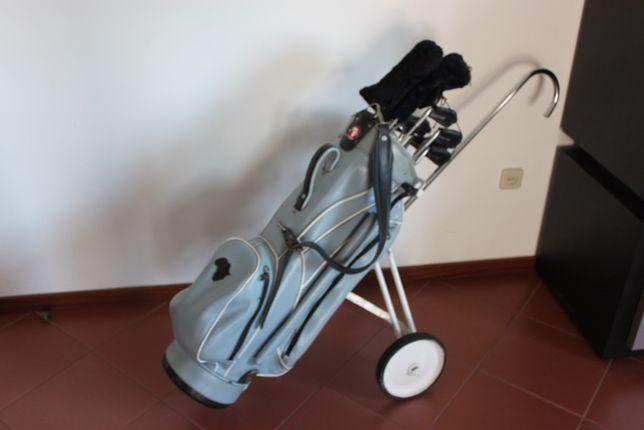 Saco e tacos de golfe clássico