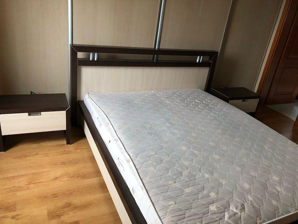 Łóżko do sypialni + materac + stelaże + stoliczki nocne