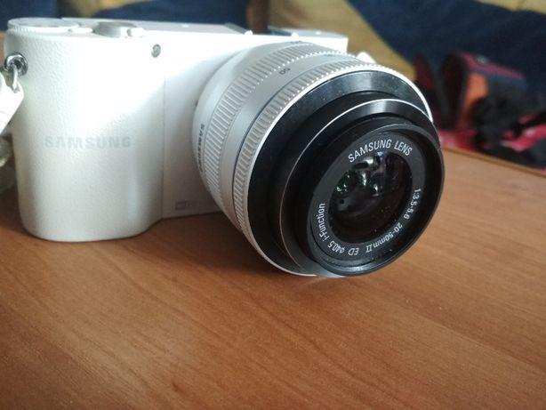 Aparat Samsung NX1000 w bardzo dobrym stanie.