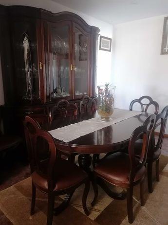 Sala de jantar completa