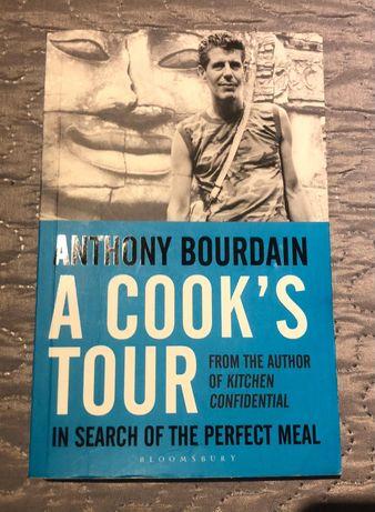 A COOK'S TOUR livro em ótimo estado