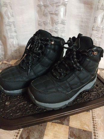 Зимние ботинки для мальчика 32 р