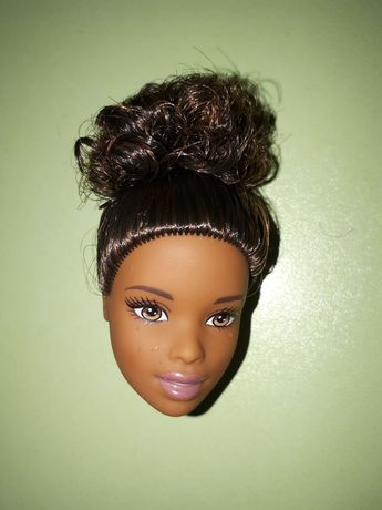 Голова Barbie