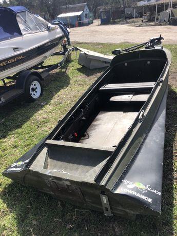 Продам лодку Южанку под ключ