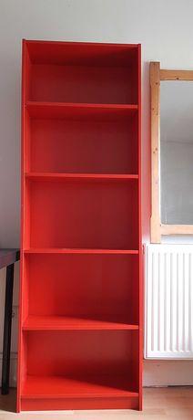 Czerwony regał z Ikea