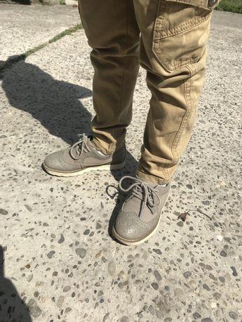 Взуття туфлі