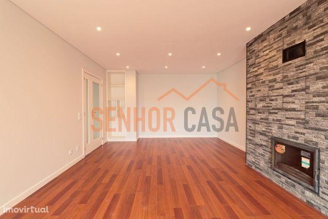 Apartamento T3 Areosa, Rio Tinto com dois lugares de garagem e arrumos