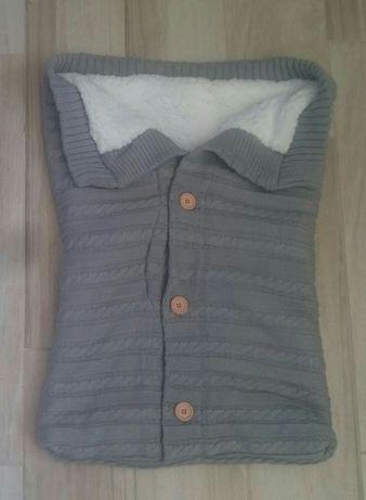 Śpiworek do wózka - sweterek