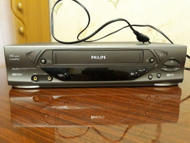 Продам видеомагнитофон PHILIP S VR 488/55