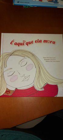 Livro É aqui que Ela Mora 6-10 anos