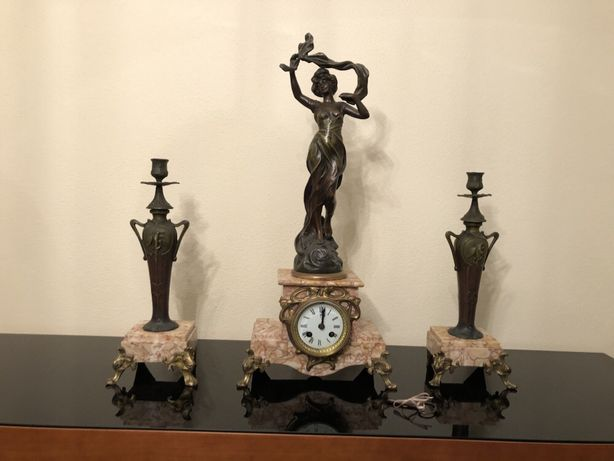 Relogio em mármore e bronze + 2 candelandro