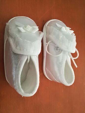 Butki niemowlęce do chrztu 11