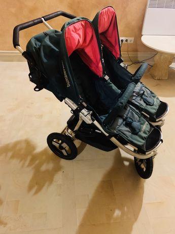 Дитяча коляска для двійні .