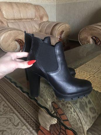 Красивые кожаные деми ботинки
