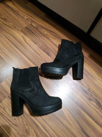 Ботинки, ботильйоны