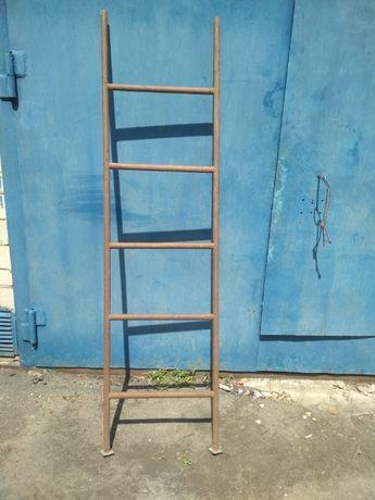 продам лестницу металлическую