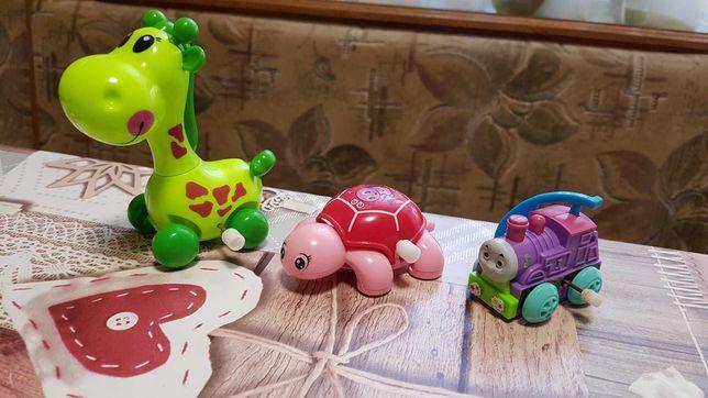 Заводные игрушки для малышей черепаха, жираф и паровозик