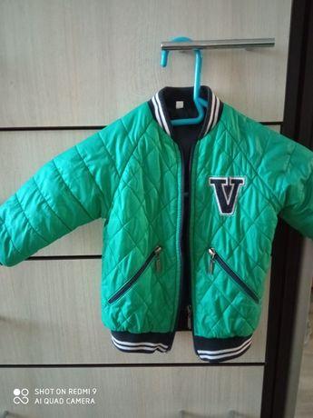 Весняна куртка бомпер