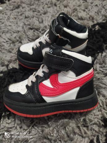 Кроссовки ботинки кросівки хайтопы