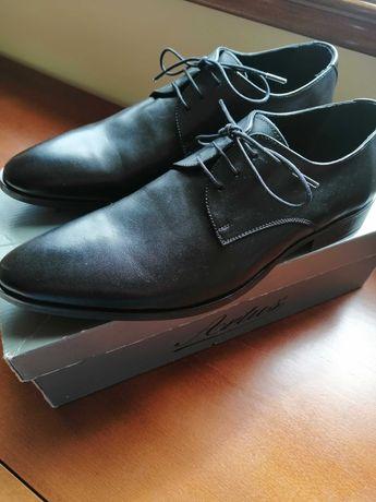 Sapatos clássicos de cerimónia, NOVOS