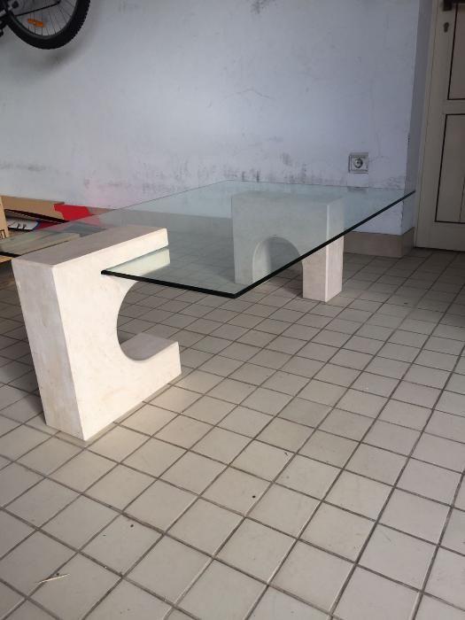 Mesa de centro com tampo de vidro (1,20/0,80cm)