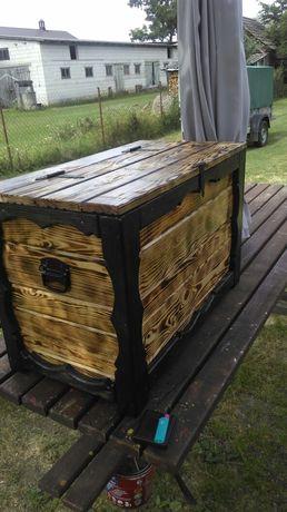 Kufer , skrzynia drewniana