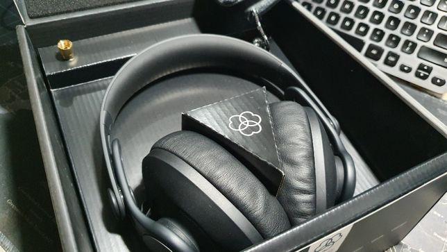 AKG K361-BT Bluetooth 5. Тюнинг АЧХ Harman Закрытые студийные наушники