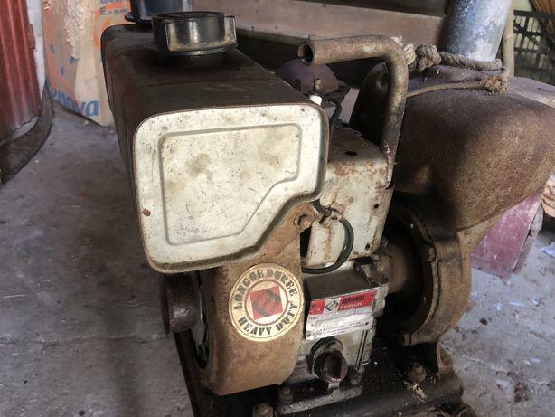 Motor de rega a gasolina marca BERNARD c/carro