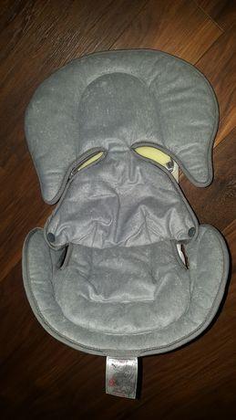 Wkładka redukująca dla noworodka do nosidełka fotelika