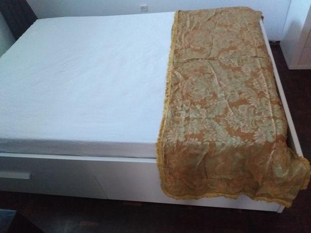 Colcha de seda - Muito antiga