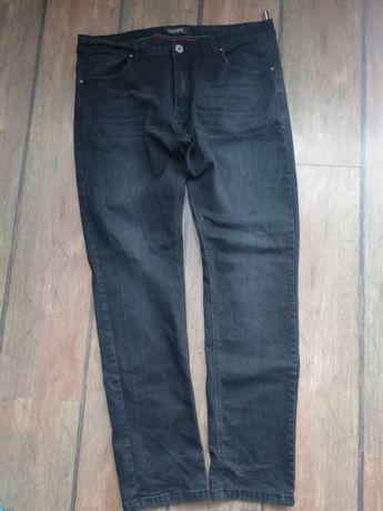 Czarne jeansy rozm. XL