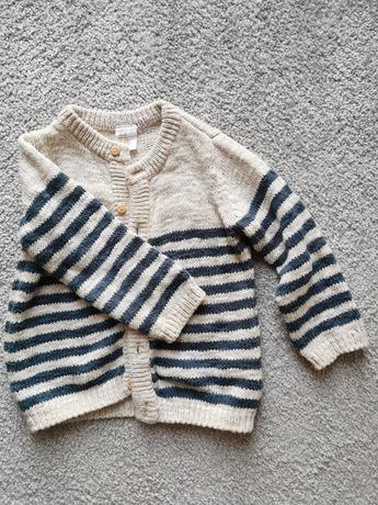 Piękny sweterek zimowy