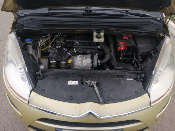 1.6HDI мотор двигун двигатель Citroen c4 Piccaso Fiat Pegout Ford