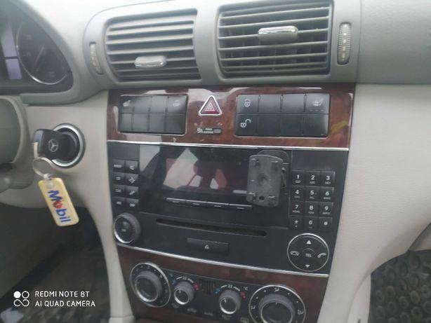 Mercedes W 203 radio