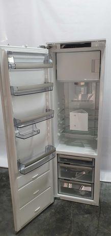 Холодильник Electrolux під забудову