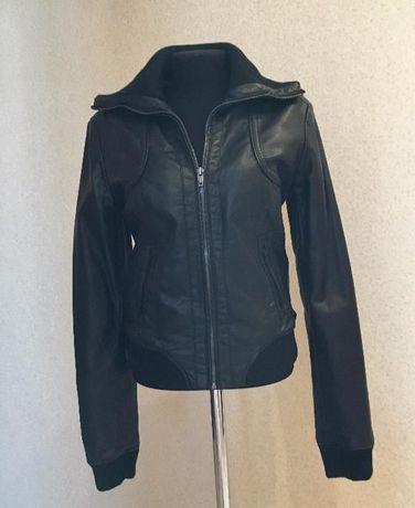 Продам черную кожаную куртку!