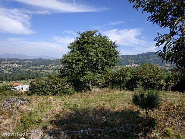 Terreno destinado a construção com 1156m2 com vistas para a serra