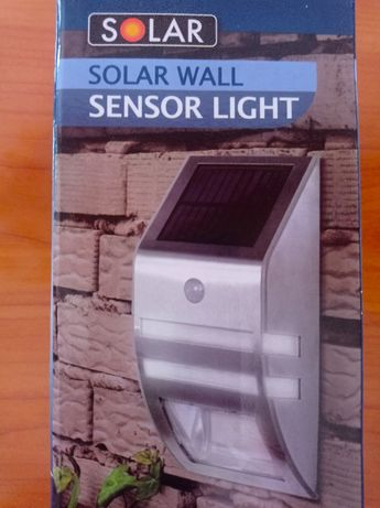 Solarna Lampa ścienna z 2 żarówkami LED z czujnikiem ruchu