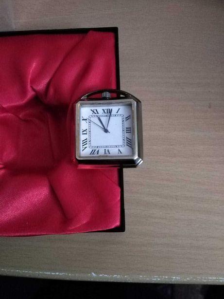 Квадратний колекційний кишеньковий годинник