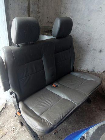 Раскладной диван для микроавтобуса