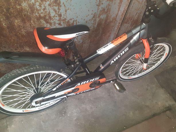 Продам велосипед на возраст 6-10 лет