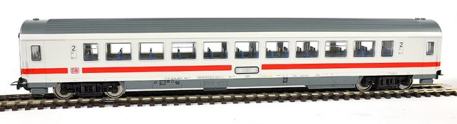 Wagon pasażerski DB. Piko H0