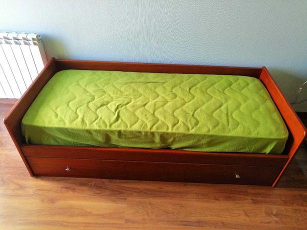 Cama com gavetão / cama dupla, em cerejeira maciça