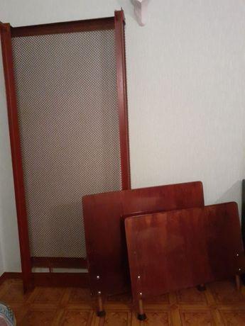 Односпальная кровать (панцирная сетка) с деревянными спинками