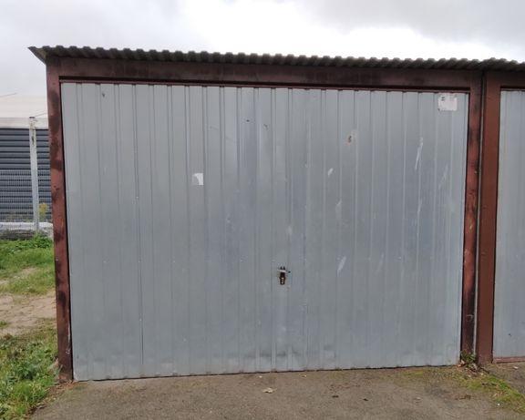 Sprzedam blaszany garaz