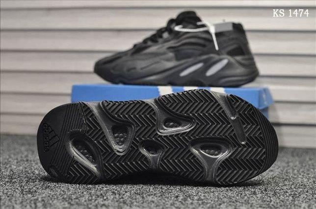 Adidas Yeezy 700 (черные)