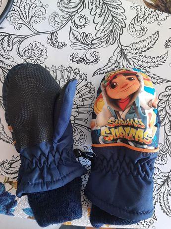 Rękawiczki dla malego dziecka