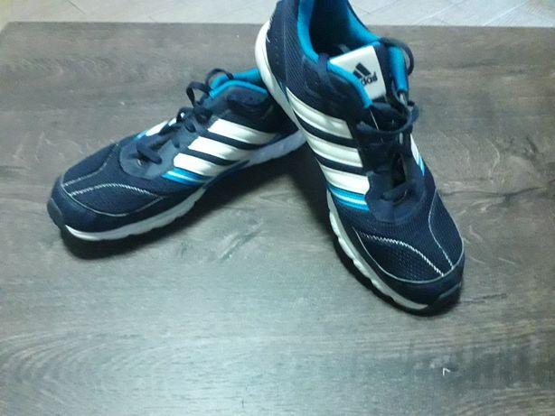 Кросівки adidas 40-розмір