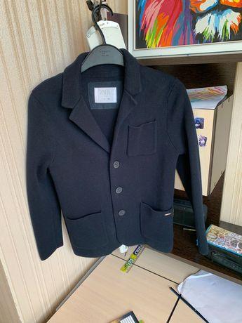 Продам пиджак на мальчика Zara 128-140см